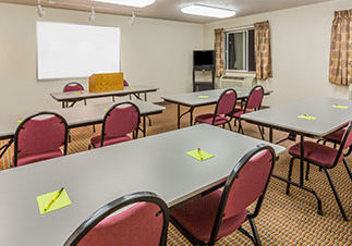 Photo of meeting room at Super 8 Roseburg